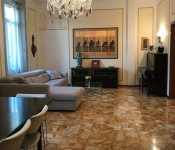 BERGAMO - Centrale in palazzo d'epoca a  per 340000